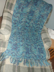 05_finished_wave_and_shell_shawl.jpg
